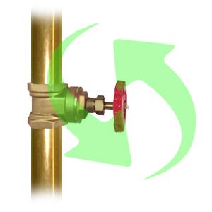 Abra la llave de alimentación al tinaco dejando que escurra un poco de agua por el conector múltiple